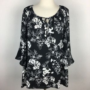 Torrid Black & White Floral Blouse 2X